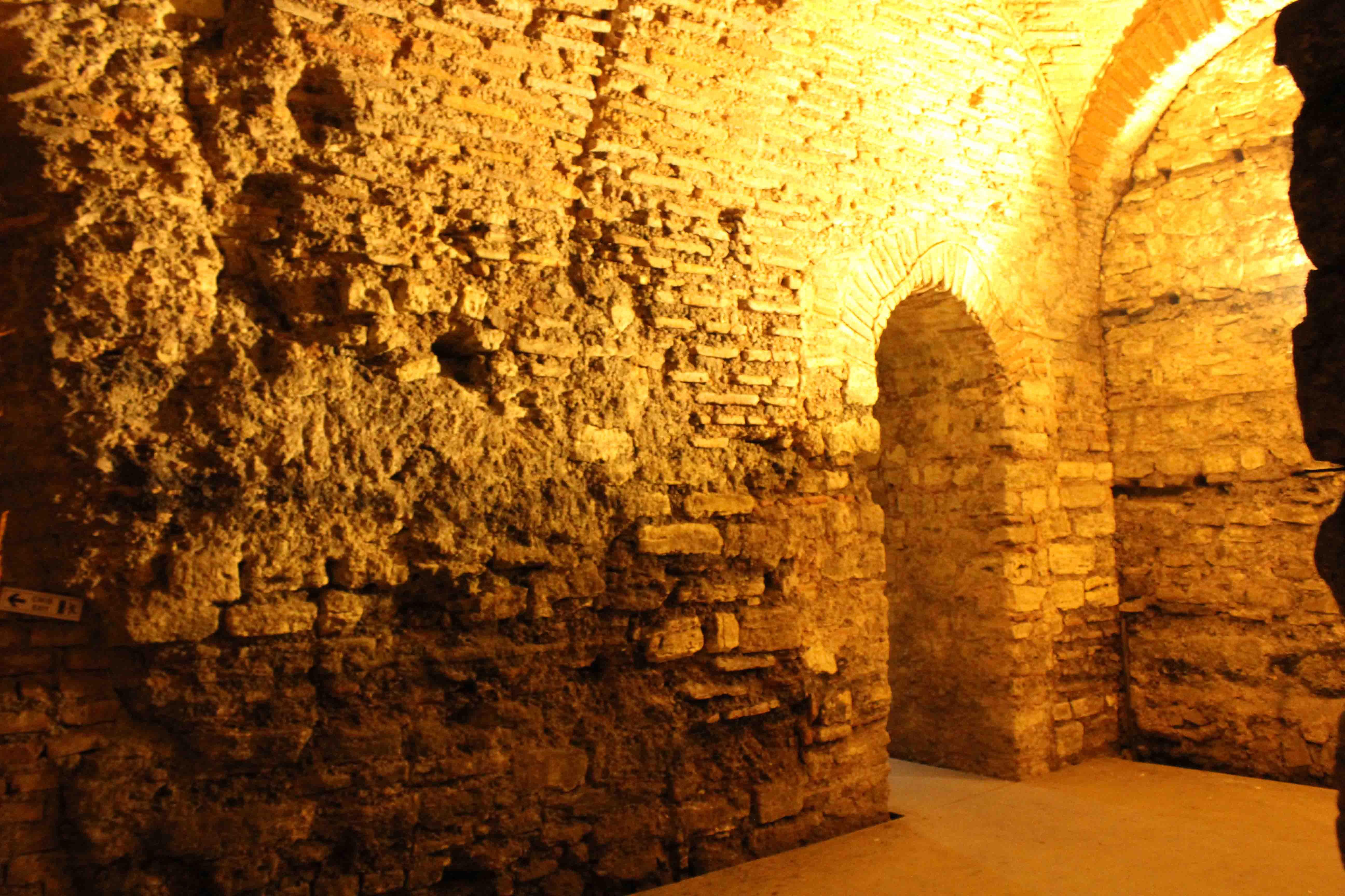 http://www.alburakathisma.com/images/galeri/orjinal/albura-Cistern-83.jpg