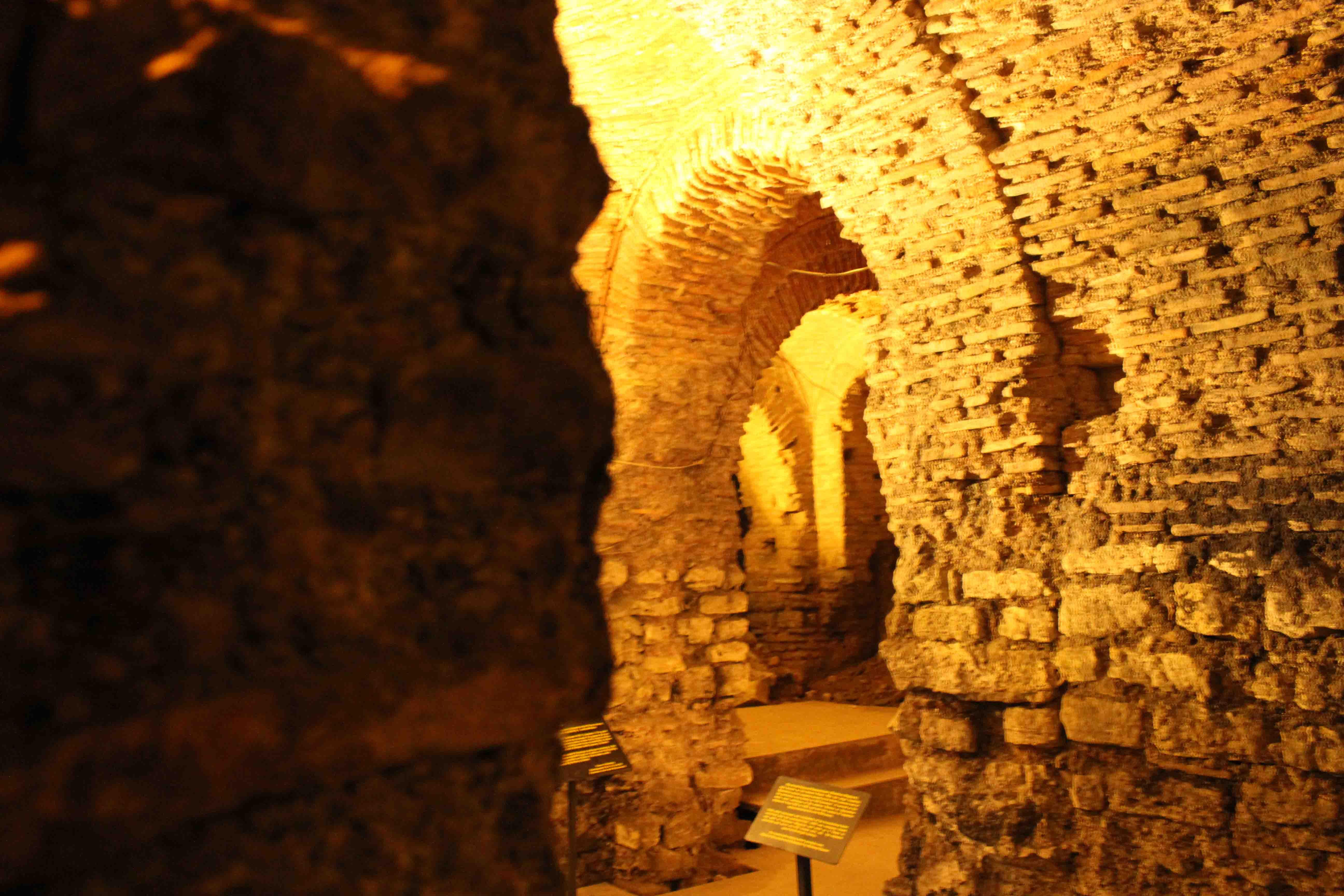 http://www.alburakathisma.com/images/galeri/orjinal/albura-Cistern-84.jpg