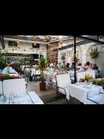 http://www.alburakathisma.com/images/galeri/orjinal/albura-Garden-15.jpg